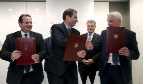 У Давосі підписали угоду про створення в Україні однієї з найбільших вітроелектростанцій Європи