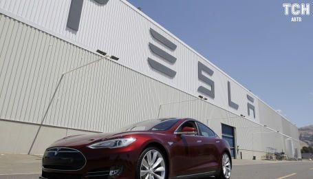 В Канаде засняли, как автопилот Tesla молниеносно избежал столкновения