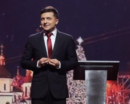 """Бігборди в """"ЛНР"""" і фейкова справа про ДТП. Зеленський заявив про підготовку нових провокацій проти нього"""