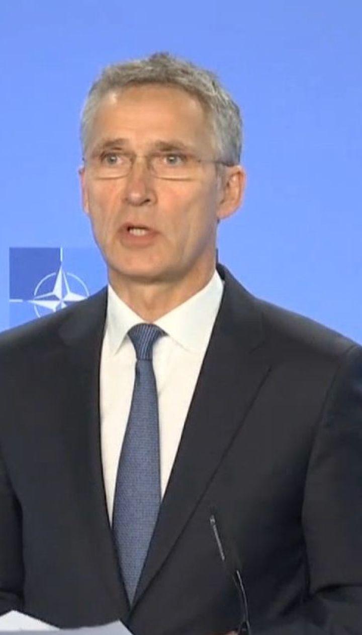 НАТО требует немедленно освободить 24 пленных русскими моряков