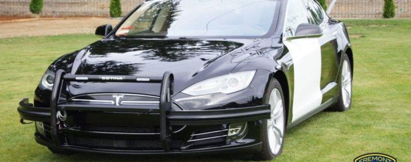 В полиции США объяснили покупку подержанной Model S