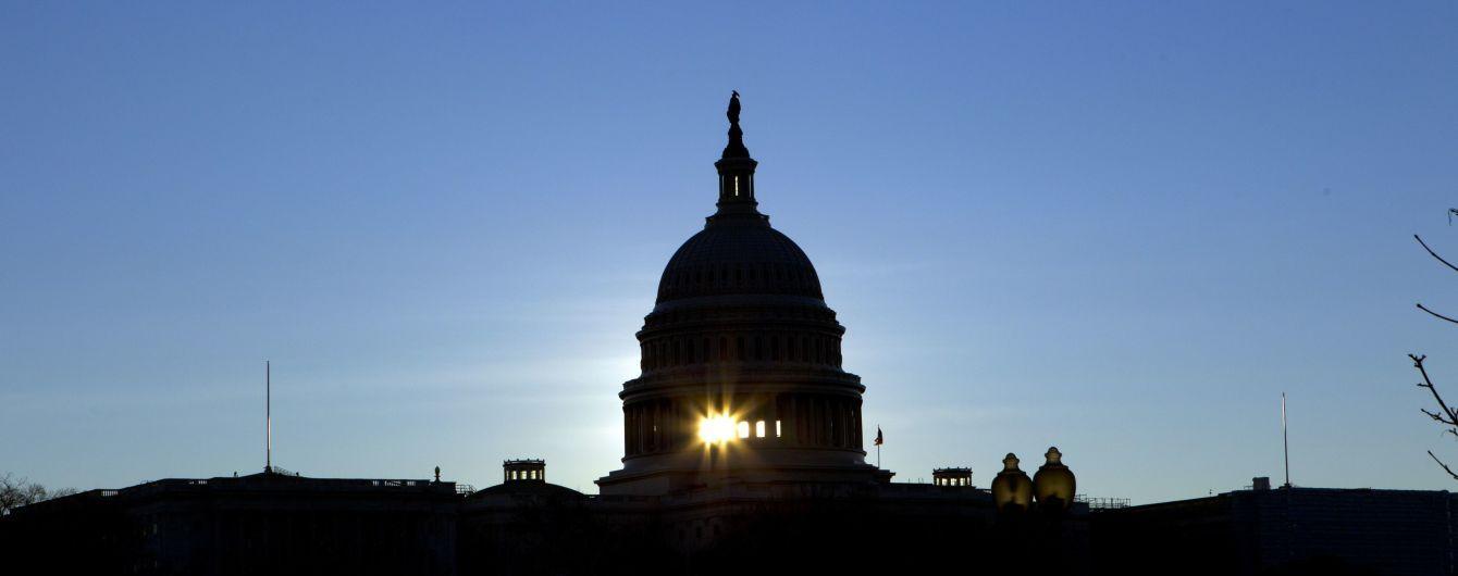 Сенат США одобрил резолюцию об отмене чрезвычайного положения