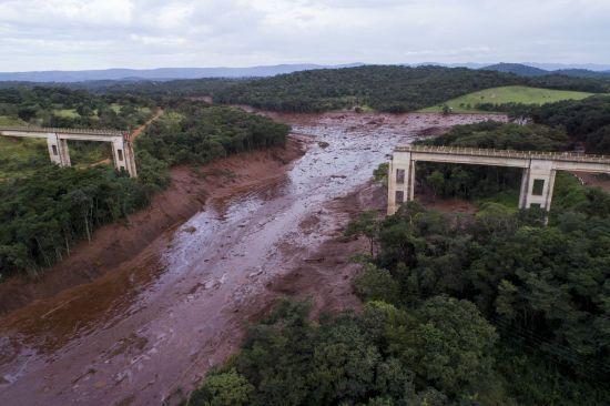 У Бразилії кількість загиблих унаслідок прориву греблі сягнула 115 осіб