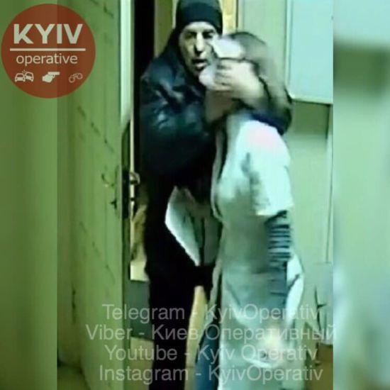 У Харкові рецидивіст пограбував та зґвалтував дівчину-провізора в аптеці