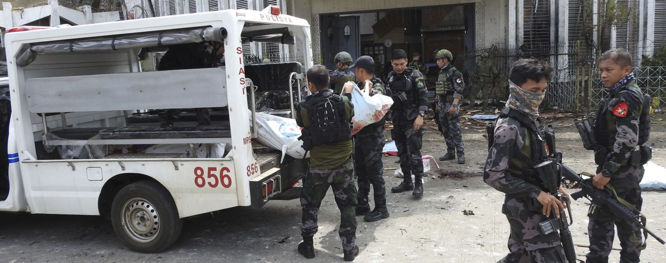 """""""Исламское государство"""" взяло на себя ответственность за теракт на Филиппинах с десятками погибших"""