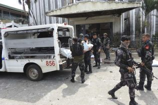 На Филиппинах неизвестный бросил гранату в мечеть, есть жертвы