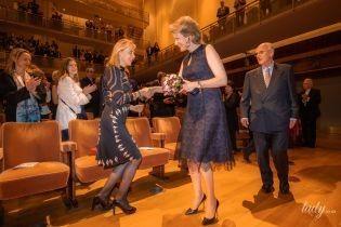 Не ожидали: королева Матильда засветила стройные ноги в прозрачном платье