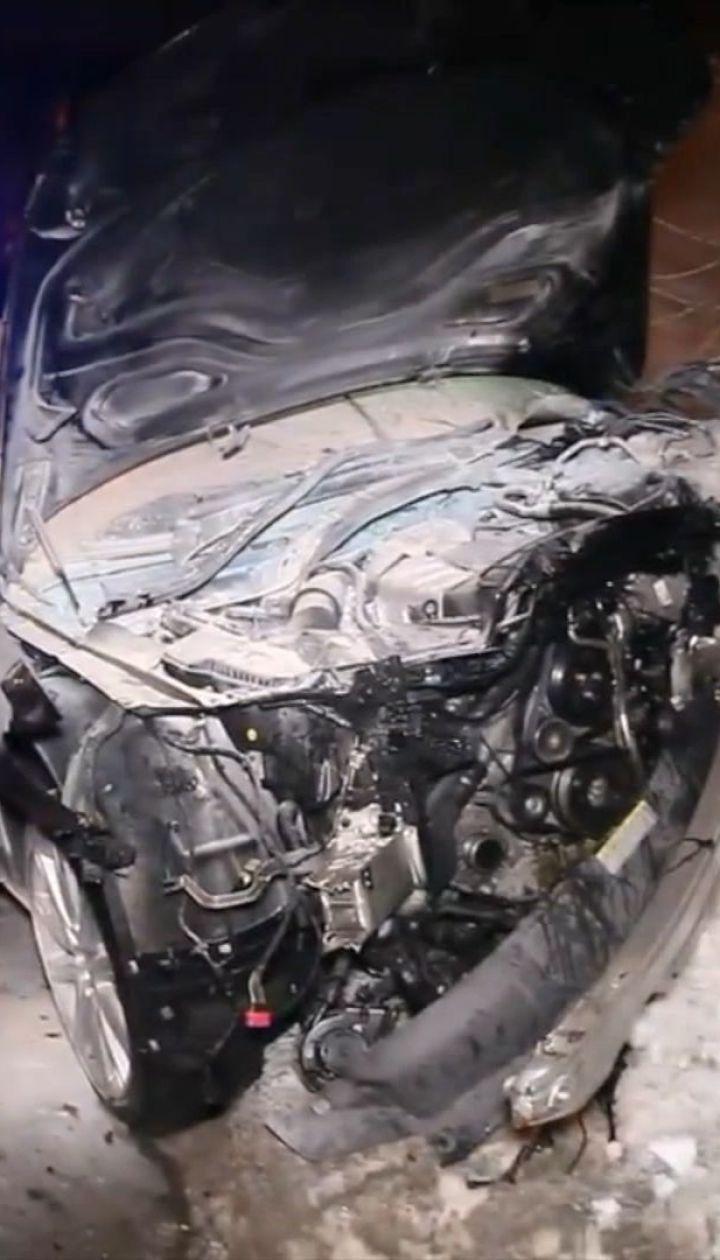 В Днепре после ДТП загорелся автомобиль