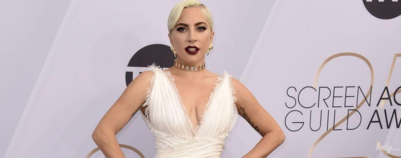 У кутюрі від Christian Dior  Леді Гага на церемонії SAG Awards-2019 ... e4fc426cfe749