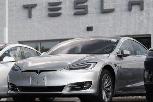 Электрокары Tesla теперь будут угонять под классическую музыку
