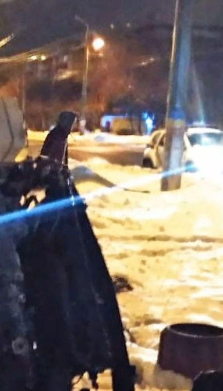 У Краматорську під час втечі від копів нетверезий водій збив світлофор і перекинувся