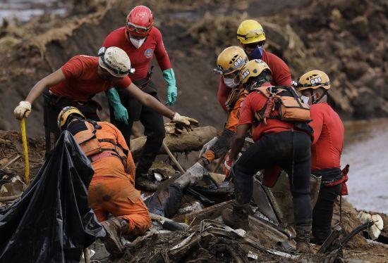 У Бразилії знову зросла кількість загиблих унаслідок прориву дамби