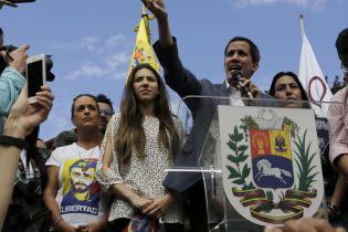 19 країн ЄС визнали Гуайдо тимчасовим президентом Венесуели