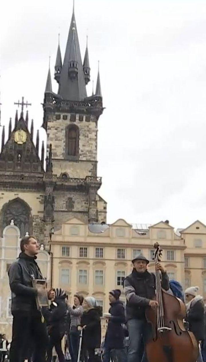 На скільки подорожчали в Україні тепличні овочі та як Чехія заманює українських заробітчан