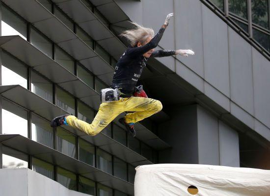 "Французька ""людина-павук"" заліз без страхування на 47 поверх хмарочоса"