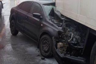 На Одесчине две легковушки влетели под грузовик