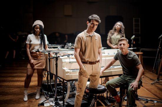 """Цимбали й скрипка у роялі. Український гурт шокував інструментом для нацвідбору на """"Євробачення"""""""