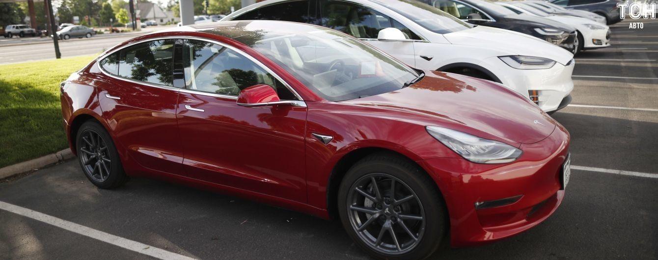 Tesla Model 3 обвалила продажи гибридов Toyota