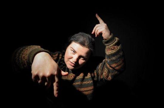 Реперка Alyona Alyona заявила, що її обманом заманили на передвиборний захід Порошенка