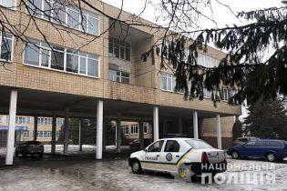 У Кривому Розі невідомі повідомили про загрозу вибуху у шести школах