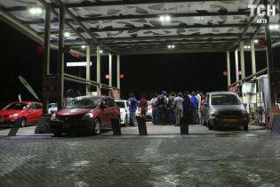 Скільки коштує заправити авто на АЗС вранці 18 лютого