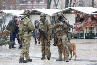 У поліції прокоментували побиття чоловіка підлітками у центрі Києва