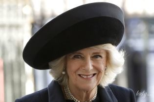 В елегантному чорному: герцогиня Корнуольська Камілла відвідала службу