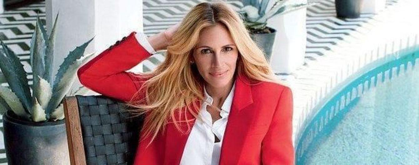 Это сексуально: Джулия Робертс в красном костюме и лодочках позировала для глянца
