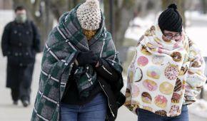 В США из-за арктического холод погибли 6 человек, отменили тысячи рейсов