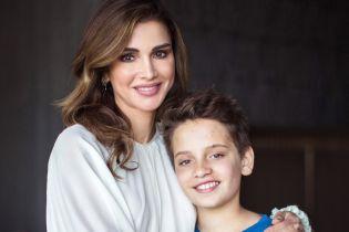 Это так мило: королева Рания трогательно поздравила сына с днем рождения