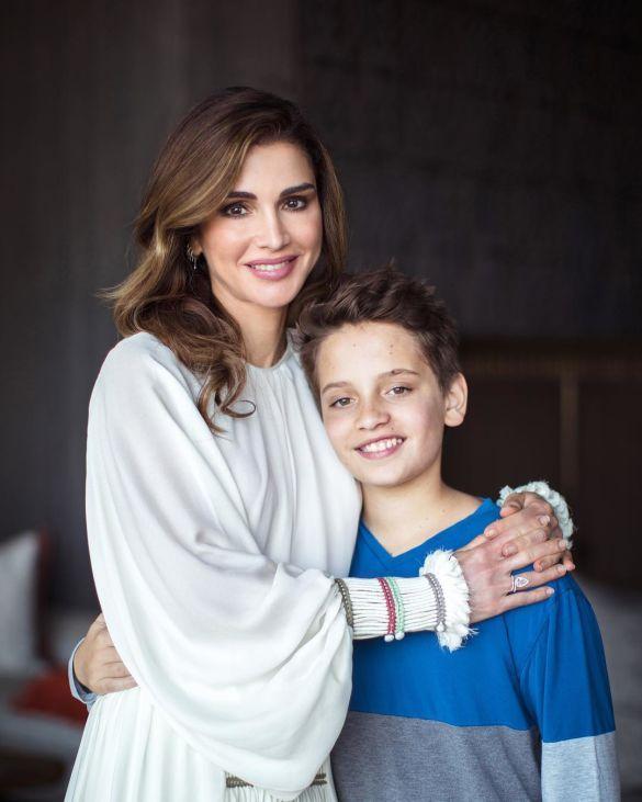 Королева Рания с сыном