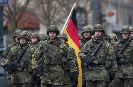 Суд у Німеччині не дозволив носити довге волосся військовому-готу