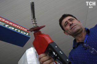 """Охранник нефтебазы """"слил"""" 19 тысяч литров топлива и продал на АЗС в Николаеве"""