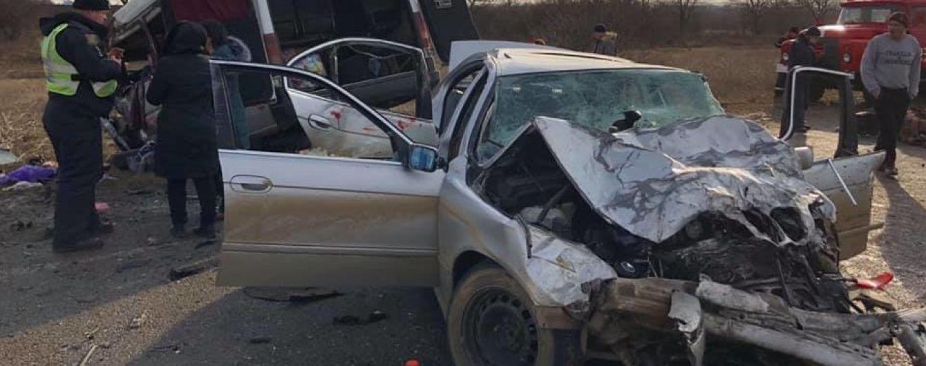 В страшном ДТП с маршруткой и BMW погибла 14-летняя девочка. Полиция открыла уголовное производство