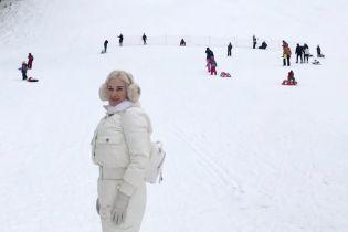 Екатерина Бужинская показала детей и мужа на горнолыжном курорте в Болгарии
