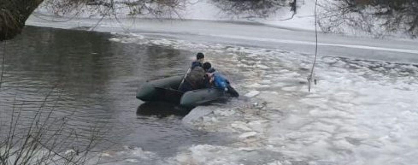 В Волынской области на куске льда посреди реки нашли тело ребенка