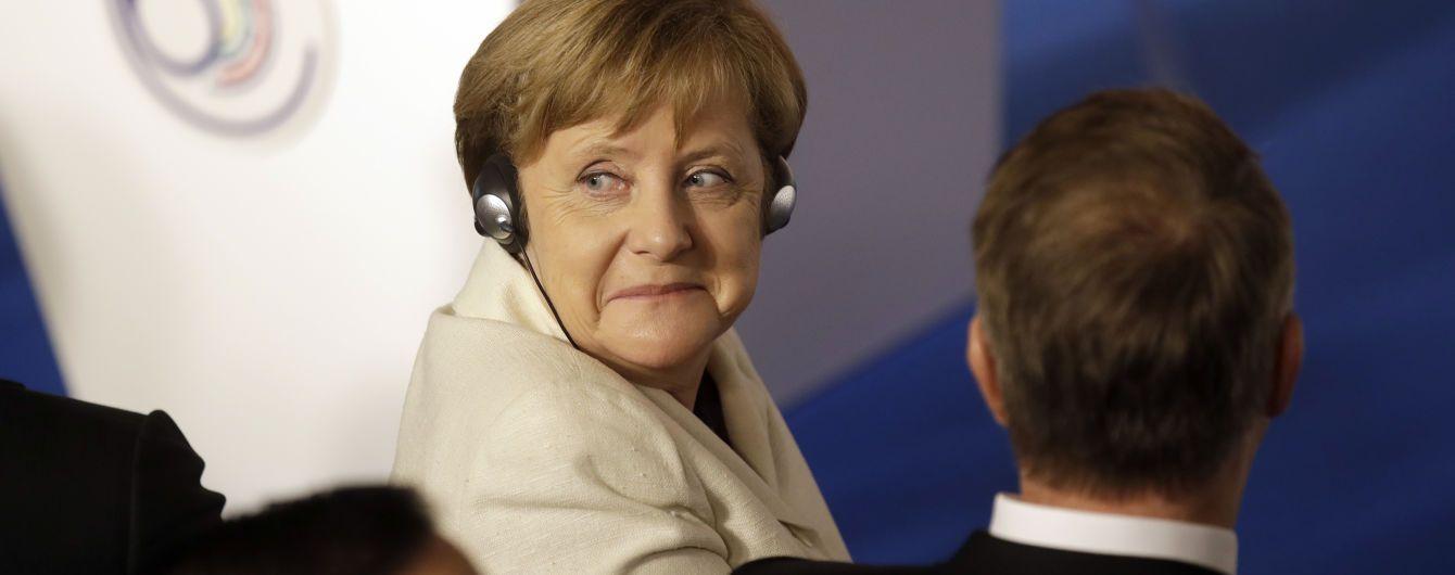 """Строительство """"Северного потока-2"""": Меркель заверила, что Украина останется транзитным государством"""
