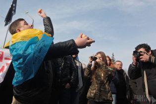 Град из яиц и пакеты с фекалиями: что швыряли украинцы в своих политиков