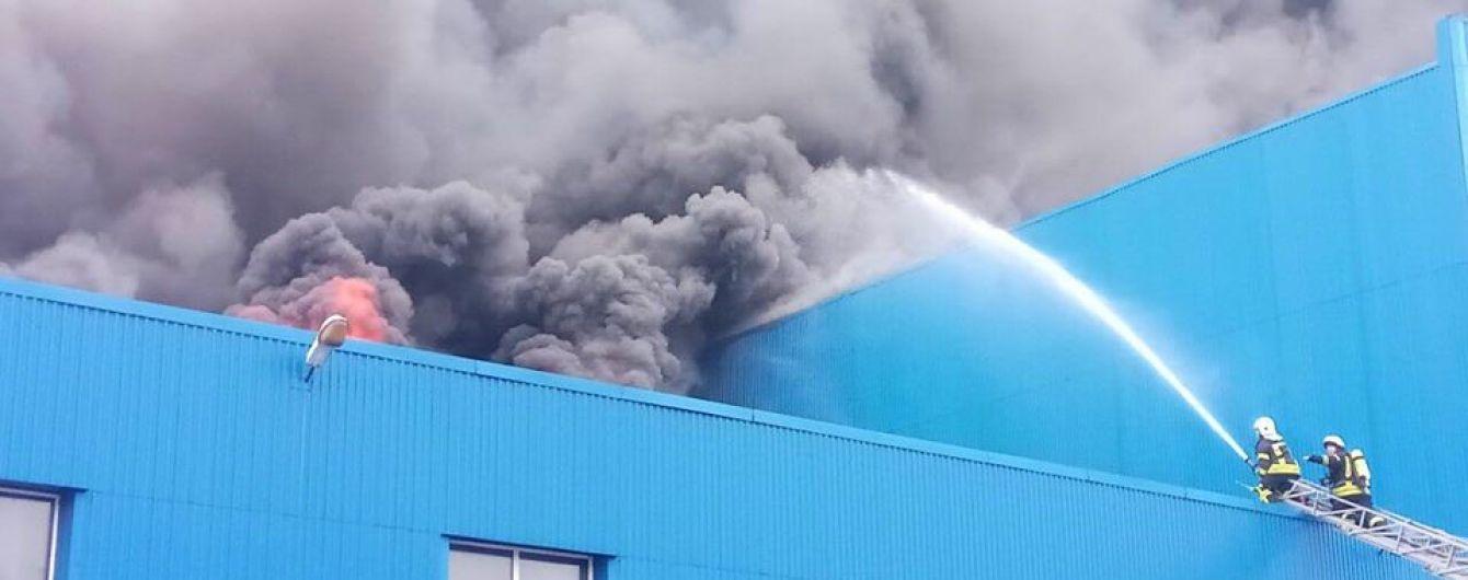 Масштабный пожар на складах в Киеве может повтритися на 615 потенциально опасных объектах