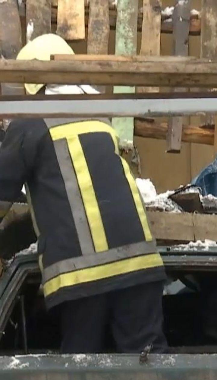 Автомобиль с водителем в салоне взорвался в Сумах