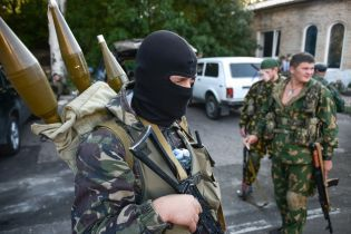 Боевики обстреляли машину украинской стороны СЦКК на Донбассе