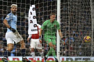 """Хет-трик Агуэро помог """"Манчестер Сити"""" уничтожить """"Арсенал"""" и приблизиться к лидеру АПЛ"""