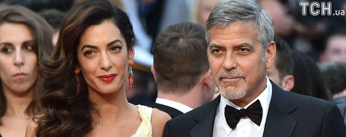 """""""Как масло и вода"""". Инсайдер объяснил, почему Клуни уже полгода не видели с женой и детьми"""