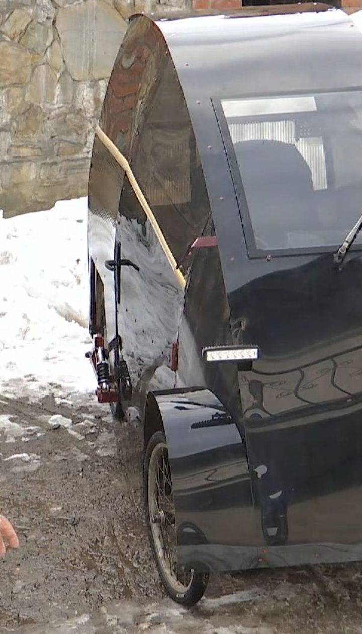На Львовщине пенсионер собственноручно сконструировал электромобиль