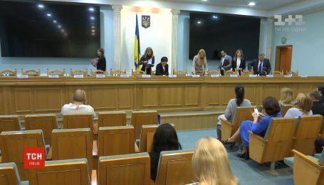 89 охочих стати президентом: ЦВК завершила прийом документів від кандидатів