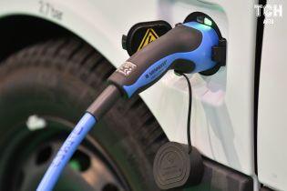 Электрокары Kia и Hyundai будут адаптировать под европейские зарядки