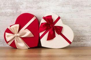 Мир отмечает День святого Валентина: как празднуют влюбленные в разных странах