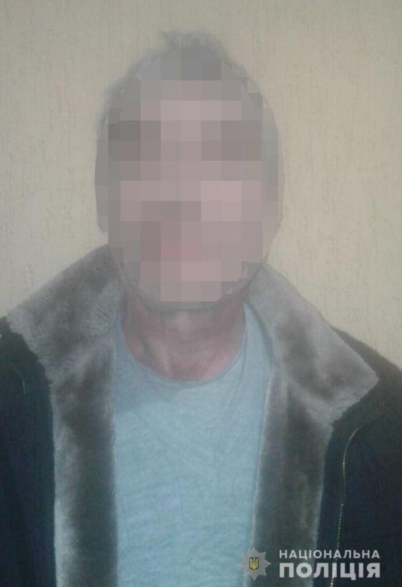 Чоловік продавав гранати в Києві_03