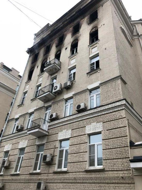 У Москві зросла кількість загиблих у пожежі в житловому будинку: з-під завалів витягли двох дітей