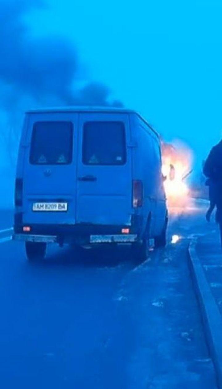 На трасі Київ-Чоп на ходу загорівся пасажирський автобус